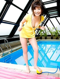 Nao Nagasawa shows big boobs and nice smile at the pool