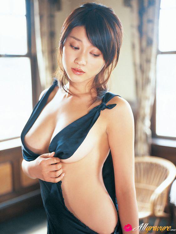 Nude mikie hara Mikie Hara's